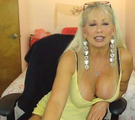 Thought chat with milfs words... super